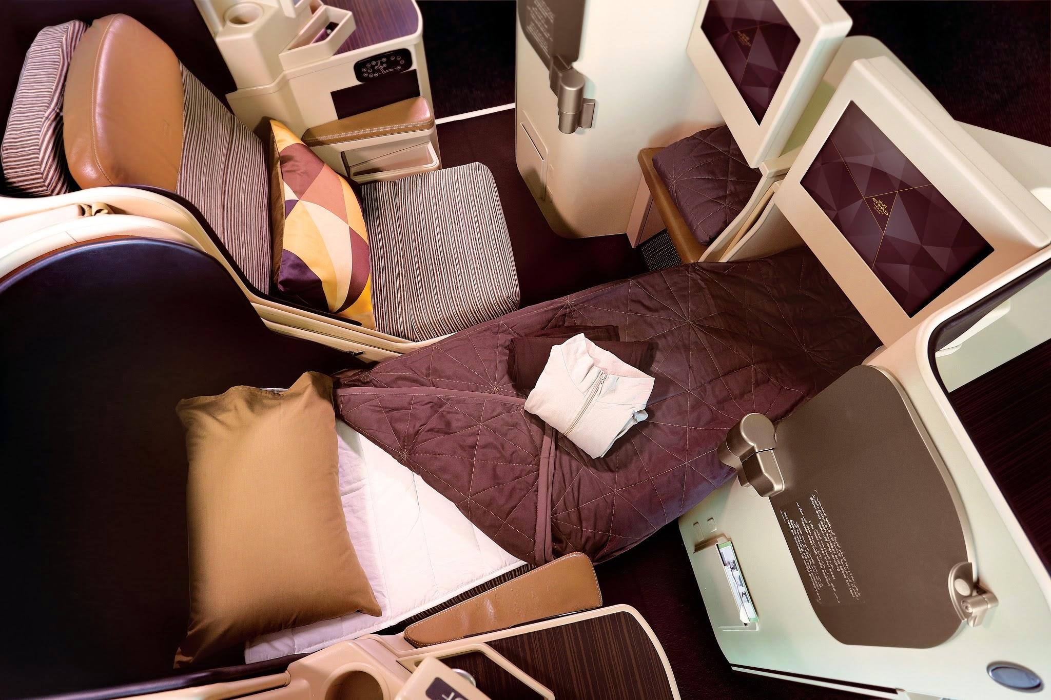 Das Business Flatbed: Auf allen Langstreckenflügen garantiert Etihad ein flaches Bett und einen eigenen Zugang zum Gang.